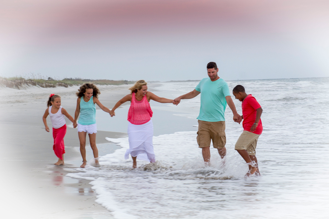 """colors to wear for a beach photo shoot"",""best colors to wear at the beach"","